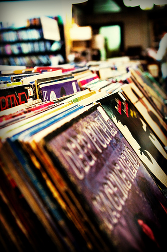 Old Vinyl | Image via flickr user fensterbme